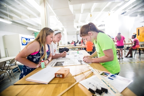 15208-event-CMS_Girls_Engineering_Camp-6655_(18682448435)